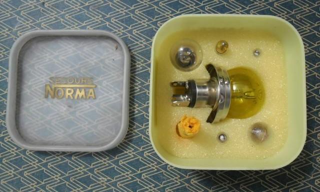 boites d'ampoules de secours 6 volt norma N.O.S 2706i4