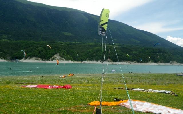 Flysurfer Demo tour au Lac de Monteynard 2 et 3 juin 02xutn