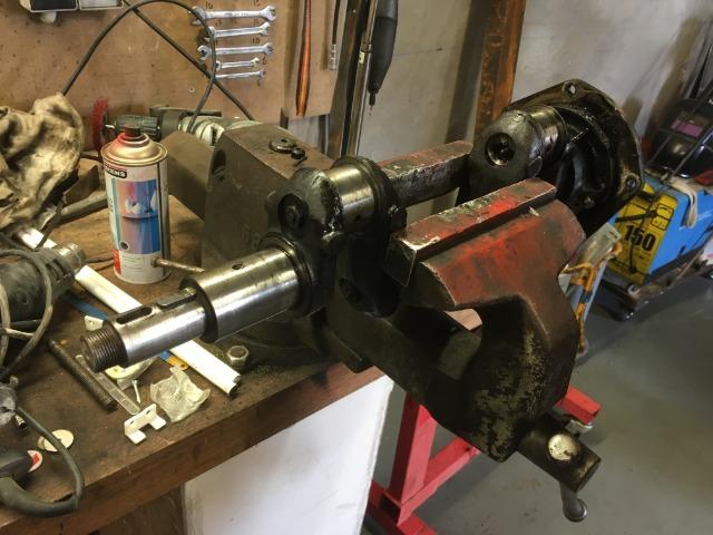 Locotracteur motorisé par un bloc moteur/boîte 201 Peugeot - Page 2 20xrf8