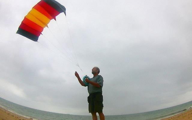 La photo aérienne par cerf-volant ou avec une aile à caissons (KAP : Kite Aerial Photography) 297wc5