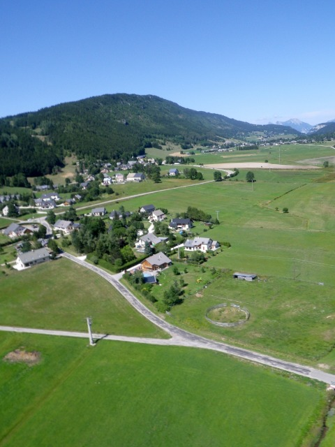 La photo aérienne par cerf-volant ou avec une aile à caissons (KAP : Kite Aerial Photography) 1557y1