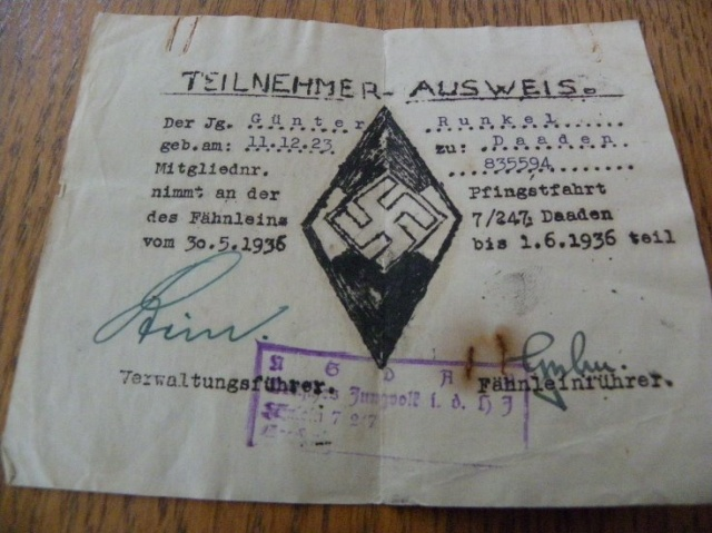 Photos, documents ww2 06290w